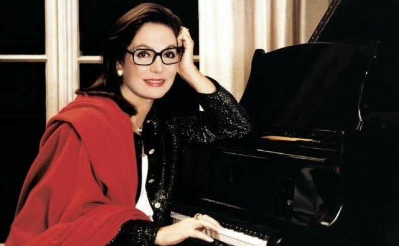 Nana Mouskouri – Recuerdos de la Alhambra