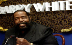 Barry White – I'm Gonna Love You Just A Little More Baby