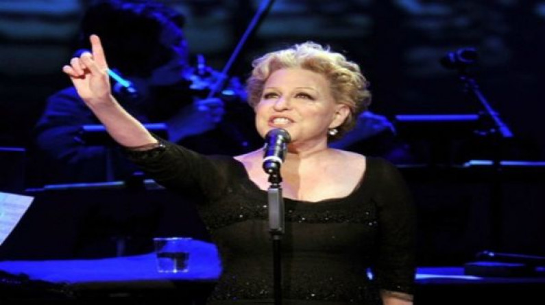Bette Midler – Stay with me