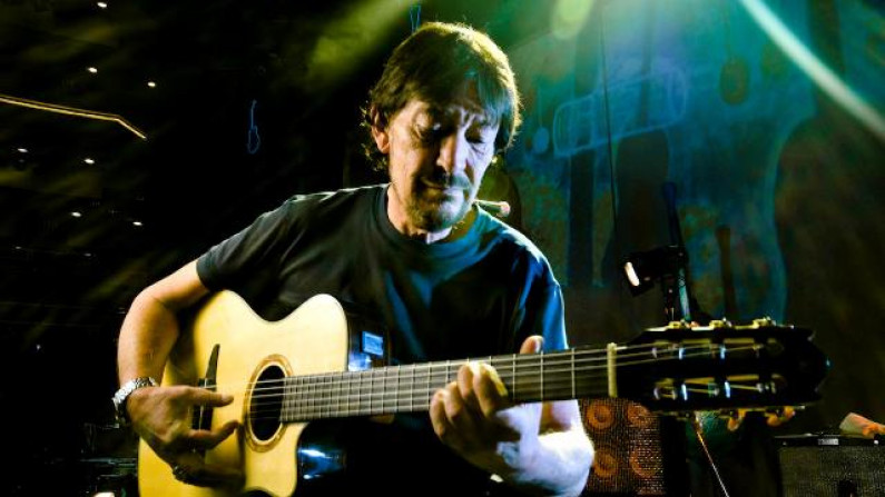 Chris Rea – The King Who Sold His Own