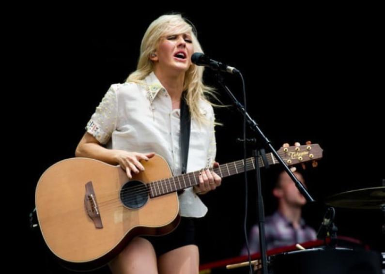 Ellie Goulding – Burn