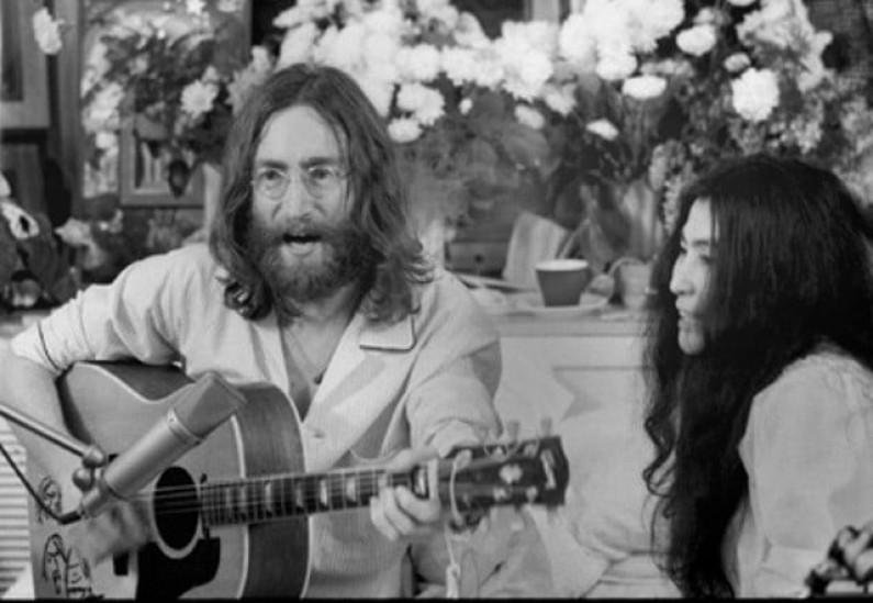 John Lennon – Give Peace A Chance