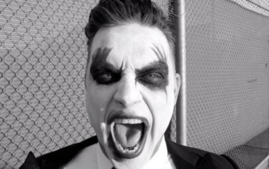 Robbie Williams – Let Me Entertain You