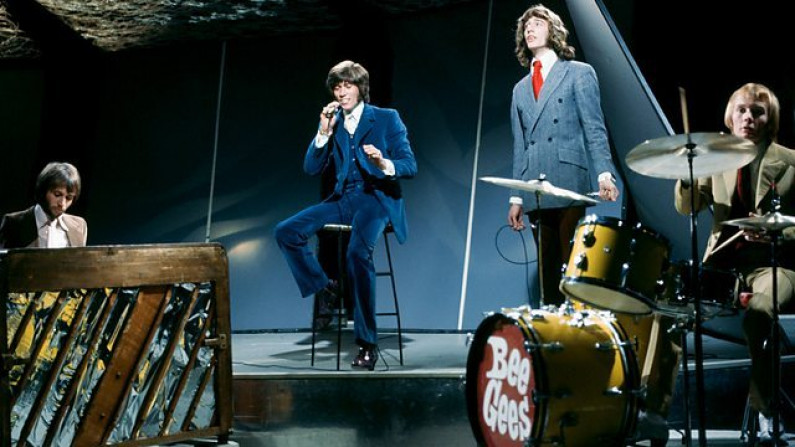 Bee Gees – Lonely Days