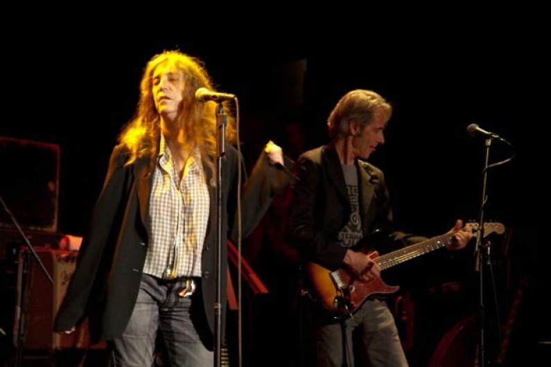 Patti Smith Group – Because the night