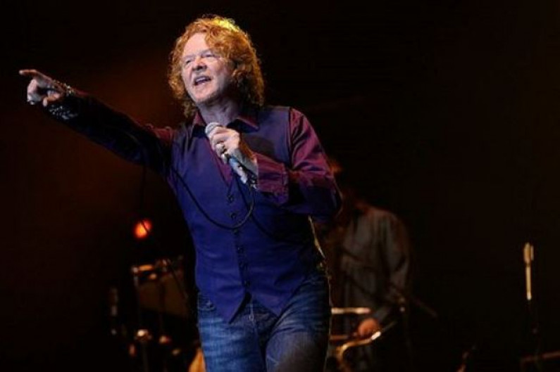 Simply Red – Its Only Love
