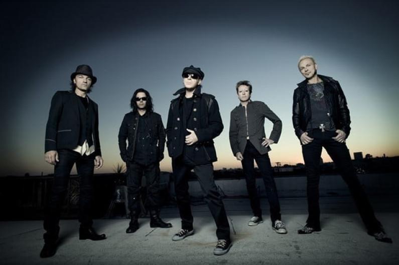 Scorpions – Deep And Dark
