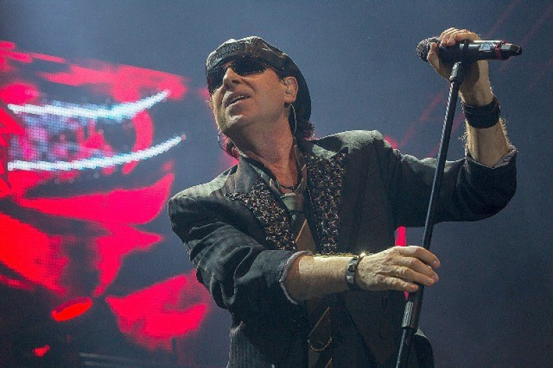 Scorpions – All Night Long
